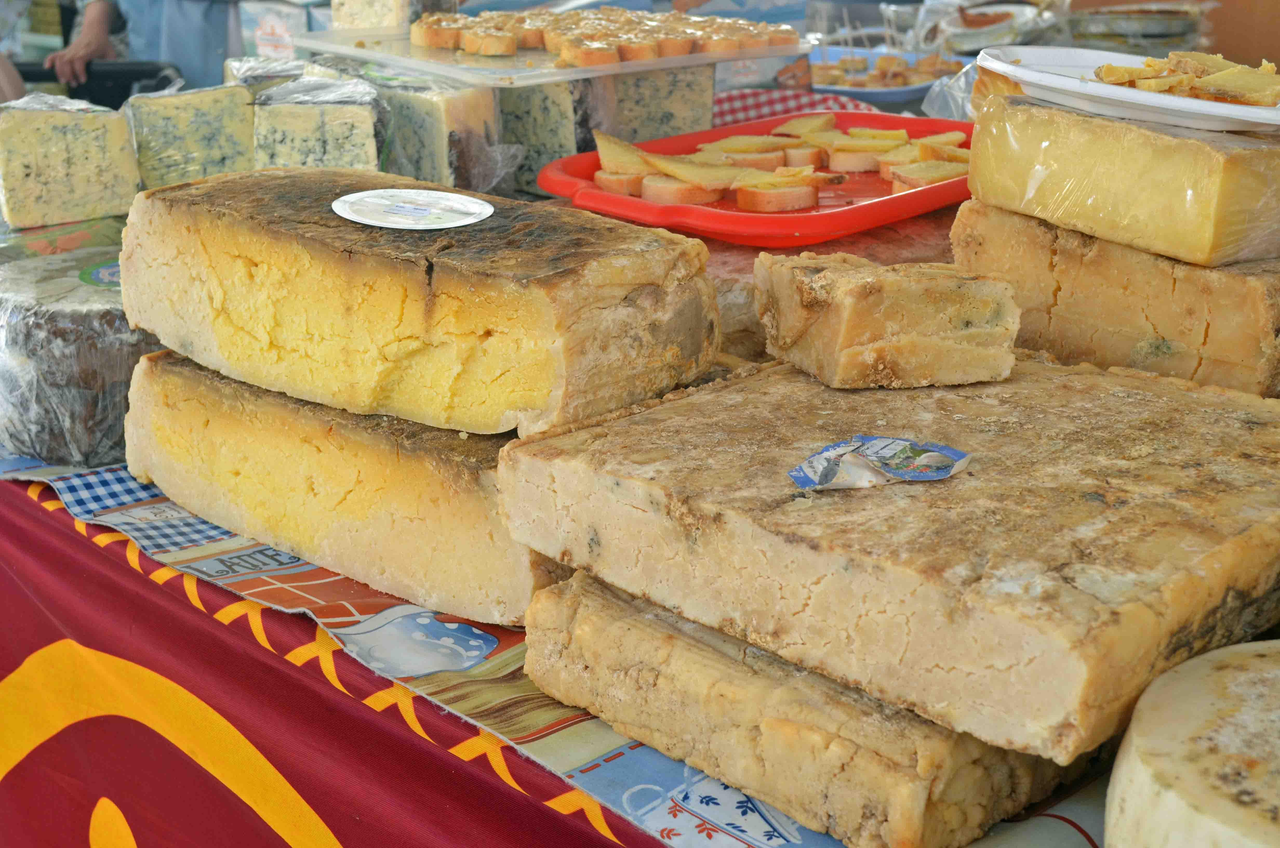 National cheese trade of Trujillo 2015